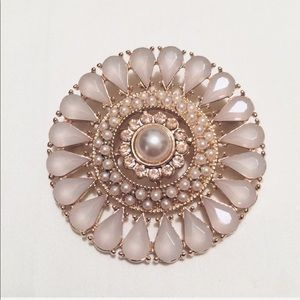 Jewelry - CHAMPAGNE and GOLD PEARL ✨ BROOCH / PIN ✨